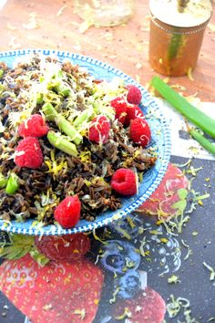 Black Rice Berry Salad via @TheHealthyApple