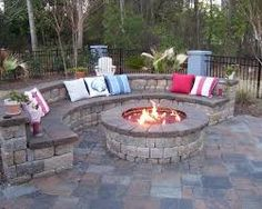 Backyard Fire Pit Ideas for You : Backyard Design Ideas With Fire Pit. Backyard design ideas with fire pit. Backyard Patio Designs, Small Backyard Landscaping, Backyard Ideas, Landscaping Ideas, Firepit Ideas, Backyard Seating, Small Patio, Small Yards, Garden Seating