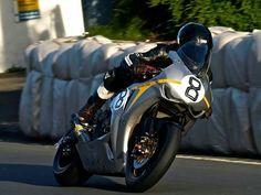 Guy Martin, Super Bikes, Isle Of Man, Racing, Guys, Vehicles, Motorcycles, Fan, Running