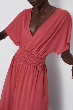 ZARA - Female - Elastic waist dress - Dark pink - S Quoi Porter, V Neck Dress, Smocking, Elastic Waist, Wrap Dress, Short Dresses, One Shoulder, Short Sleeves, Online Shopping