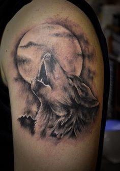 ... moon tattoo howling wolf tattoo full moon tattoos luna tattoo tattoo