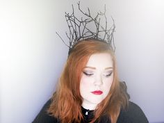 Time for my second Halloween DIY! This time it's this spooky and magical crown to wear if you want to dress up as a fairy queen or a wicked witch or just to wear in everyday life. You could easily paint it white and put some glitter on it instead and be some kind of ice queen. The possibilities are endless! Materials: Twigs Wire Something to cut the wire with Paint A brush Glue gun Instructions: Start by making a long and bendy twig into a circle that fits your head. Gently twist the ends…