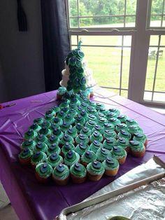 Peacock cake and cupcake cake