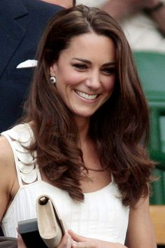 For a day at Wimbledon in June 27, 2011, Kate chose a simple, wavy style.