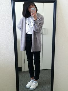 Rainy Day Outfit For School, Outfit Of The Day, Outfits For Rainy Days, Rainy Outfit, Everyday Outfits, Korean Fashion Trends, Asian Fashion, My Life Style, My Style