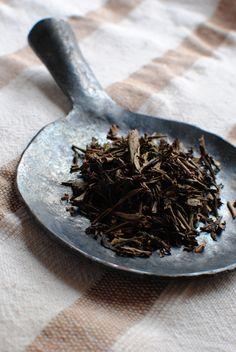 Japanese Hoji tea leaves