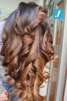 Una cascata di sfumature iperfemminili _ Degradé Joelle  #cdj #degradejoelle #tagliopuntearia #degradé #igers #musthave #hair #hairstyle #haircolour #longhair #ootd #hairfashion #madeinitaly #wellastudionyc