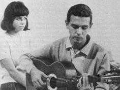 """Um dos criadores da Bossa Nova, Carlos Lyra se apresenta nos dias 27 e 28 de abril no Espaço Furnas Cultural, em Botafogo, com entrada catraca livre. No repertório do show """"Além da Bossa"""", clássicos da música brasileira e composições novas, como """"Minha namorada"""", """"Primavera"""" (com Vinicius de Moraes) e """"Lobo bobo"""" (com Ronaldo Bôscoli), """"Além da Bossa""""...<br /><a class=""""more-link"""" href=""""https://catracalivre.com.br/rio/agenda/gratis/carlos-lyra-leva-a-bossa-nova-ao-botafogo/"""">Continue lendo…"""