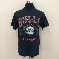 96ed8735 Vintage Vintage 90's Deadstock Chicago Bulls NBA T-Shirt All Single Stich  Nice Design Size