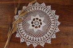 Centrino ad uncinetto bianco doily crocheted white di Acasaconmanu
