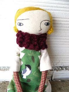 Muñeca con pelo de lana merino cosido a mano y vestido escenas de bosque. 32 cm de AntonAntonThings en Etsy