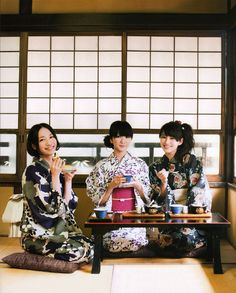 "PERFUMEPERFUMEPERFUMEPERFUMEPERFUMEPERFUMEPERFUMEPERFUMEPERFUMEPERFUMEPERFUMEPERFUMEPERFUMEPERFUMEPERFUME Japanese summer kimono ""YUKATA""."