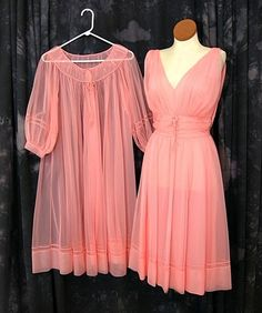 Vintage Nylon Peignoir Sheer Pink Shadowline Nightgown and Robe. Pretty Lingerie, Vintage Lingerie, Marcel Rochas, Nylons, Vintage Outfits, Vintage Fashion, Vintage Nightgown, Peignoir, Chiffon Gown