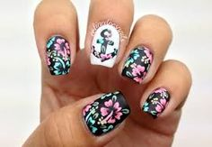 Check out these Cute floral nail designs, simple flower nail designs, flower nail art designs to inspire you towards fashionable nails like you never imagined before. Nautical Nail Designs, Nautical Nails, Cute Nail Designs, Pretty Designs, Spring Nail Art, Nail Designs Spring, Spring Nails, Summer Nails, Cute Nail Art