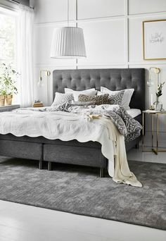Nightstands, beds, side tables, cabinets or armchairs are some of the luxury bedroom furniture tips that you can find. Every detail matters when we are decorating our master bedroom, right? #luxuryfurniture #exclusivedesign #interiodesign #designideas #roomdesign #roomideas #housedesignideas #interiordesignstyles #luxuryinteriordesign #interiordesignstyles