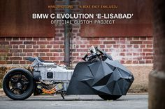 rolf reick presents a custom krautmotors BMW C evolution at this year's pure&crafted festival based on the electric scooter. Concept Motorcycles, Bmw Motorcycles, Custom Motorcycles, Scrambler Motorcycle, Stealth Bomber, Scooter Design, Custom Bmw, Moped Scooter, Bike Art