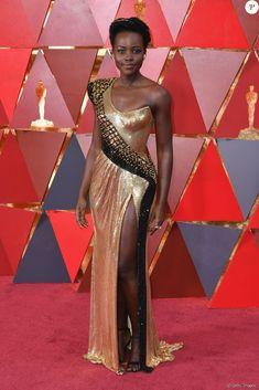 050437cda Lupita Nyong o aposta em look brilhoso com inspiração africana no Oscar 2018