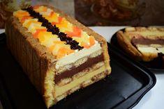 este minunat acest tort cu pișcoturi și creme de ciocolată și ananas, o combinație reușită de gusturi: dulce + amărui + acrișor!