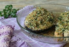 Una semplice e veloce ricetta per trasformare delle fette di salmone fresco in un secondo piatto veramente buonissimo: il Salmone al forno gratinato