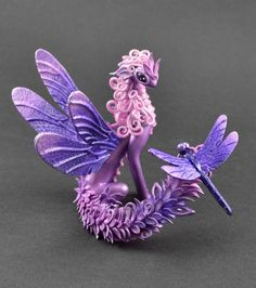 yourdailyrandom — gleaningcontext: sosuperawesome: Sculptures by. Polymer Clay Dragon, Polymer Clay Figures, Cute Polymer Clay, Polymer Clay Animals, Cute Clay, Polymer Clay Charms, Clay Art Projects, Polymer Clay Projects, Clay Crafts