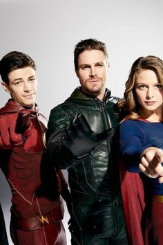 Melissa's watching you Supergirl Superman, Supergirl And Flash, Flash And Arrow, Cw Crossover, Hero Tv, Melissa Supergirl, Flash Funny, Dinah Laurel Lance, Melissa Marie Benoist