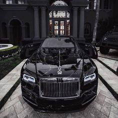 Rolls Royce Wraith, Rolls Royce Phantom, Rolls Royce Cars, Rolls Royce Black, Luxury Car Brands, Luxury Sports Cars, Best Luxury Cars, Sport Cars, Voiture Rolls Royce