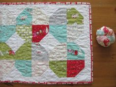 from comfort stitching.  jolly  a snowball pattern. see how the 4 make one snowball?  sweet! MM