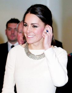 Kate shows off her wedding ring