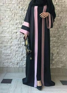 Why did Muslims women wear the HIJAB? Moslem Fashion, Niqab Fashion, Fashion Dresses, Abaya Mode, Mode Hijab, Muslim Women Fashion, Islamic Fashion, Farasha Abaya, Hijab Style Dress