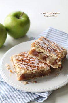 Apple Pie Bars - Love Grows Wild - These Apple Pie Bars are the perfect handheld dessert and SO delicious! Made with a fresh apple filling, homemade double crust, and a sweet vanilla glaze! Apple Desserts, Köstliche Desserts, Apple Recipes, Delicious Desserts, Dessert Recipes, Yummy Food, Fall Recipes, Apple Pie Bars, Apple Filling