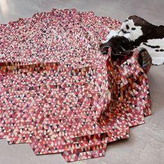 Elisa Strozyk : Tapis de bois coloré