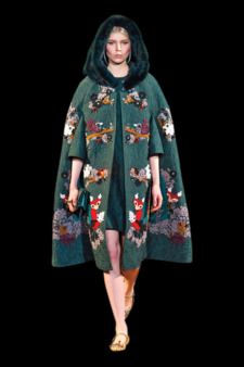 Fall 2014 Trends: Capes - Dolce & Gabbana