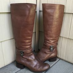 HP | Michael Kors | Padlock Leather Boots 100% Authentic!!! Made out out 100% real leather! EXCELLENT condition! Only wore a handful of times. Dark brown in color. BEST IN SHOES AND BOOTS HOST PICK 1/6/16 MICHAEL Michael Kors Shoes
