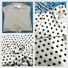 Camiseta de bolinhas com detalhe de amarrar. À venda www.corujeets.com #shirt #camiseta #lookoftheday #ootd #outfit
