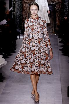 Cara Delevingne Valentino Haute Couture Spring 2013 Fashion Show in Paris January 2013 Fashion Week Paris, High Fashion, Fashion Show, Fashion Design, Couture Mode, Style Couture, Couture Fashion, Runway Fashion, Valentino Couture