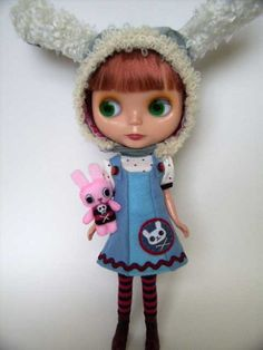 Several patterns by Orriettacat for Blythe and hat patterns for Petite Blythe.