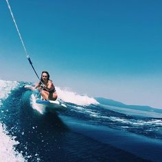 Guys ! Did you know you can surf on lakes ?!?