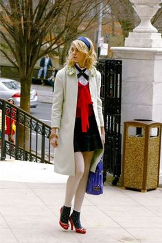 TV's favorite Upper East Siders have some serious style. Vanessa Abrams, Jenny Humphrey, Gossip Girl Outfits, Gossip Girl Fashion, Fashion Line, Star Fashion, Fashion Outfits, Fashion Fashion, Street Fashion