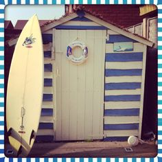 Pretend your on holiday in your very own garden by transforming your boring shed into an amazing beach hut! Seaside Theme, Seaside Decor, Beach House Decor, Beach Hut Shed, Pool Shed, Beach Huts, Coastal Gardens, Beach Gardens, Nautical Shed Ideas