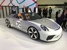 Porsche 911 Speedster 70 anniversary Concept