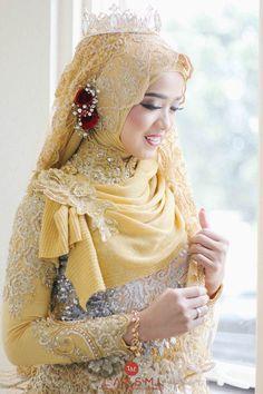 Muslimah Wedding Dress, Hijab Style Dress, Muslim Wedding Dresses, Wedding Hijab, Muslim Dress, Wedding Bride, Bridesmaid Dresses, Foto Wedding, Wedding Cards