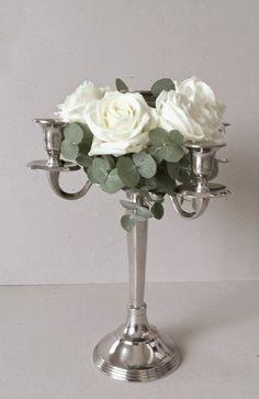 Chandelier fleuri blanc et gris www.lapetiteboutiquedefleurs.fr