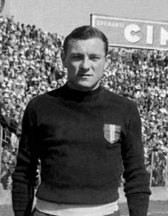 Valerio Bacigalupo, goalkeeper (AC Torino, 1945-1949, 137 apps, 0 goal) died in the Superga air disaster on 4 May 1949.
