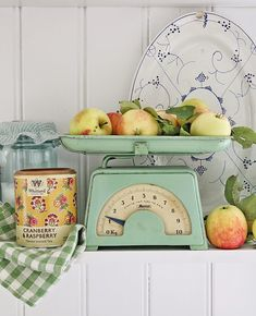 VIBEKE DESIGN: I love this little scale! Must find!