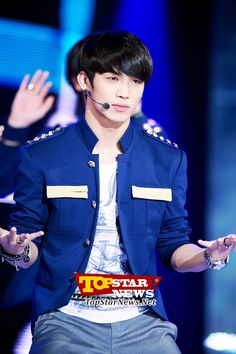 BTOB's Im Hyun Shik, 'Serious on stage' … Opening ceremony for 'MU:CON Seoul 2012' [KPOP PHOTO]