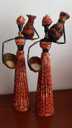 Yaratıcı Projeler: Gazete kağıtlarından dekoratif Afrikalı kızlar Decorative African girls from newspaper papers Paper Bag Crafts, Newspaper Crafts, Paper Crafts Origami, Handmade Paper Boxes, Handmade Bags, African Dolls, African Art, African Women, Paper Dolls