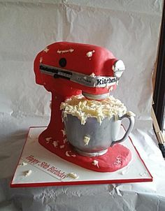 It's CAKE! KitchenAid cake by Galyna Harb. Thought it was an actual mixer! Gorgeous Cakes, Pretty Cakes, Cute Cakes, Amazing Cakes, Crazy Cakes, Fancy Cakes, Unique Cakes, Creative Cakes, Formation Patisserie