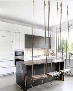 The Difference Between Modern Interiors And Traditional Interior Home Design Home Room Design, Dream Home Design, Interior Design Kitchen, My Dream Home, Modern House Design, Kitchen Seating, House Goals, Dream Rooms, Cool Rooms