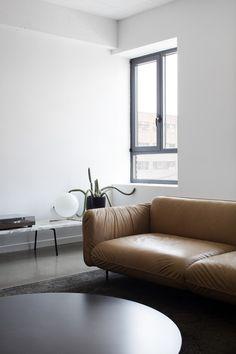 Appartement Saint-Laurent par Atelier Barda : à mi-chemin entre chambre d'hôtel et loft - Index-Design.ca