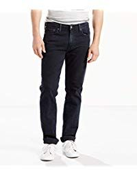 It's now Fall in Europe and the leaves are falling. You may be wondering what to wear in Italy in any time of the year for your vacation. Loose Fit Jeans, Slim Jeans, Men's Jeans, Super Skinny, Skinny Fit, Skinny Legs, Italian Phrases For Travelers, Italy Packing List, Mens Fashion Magazine